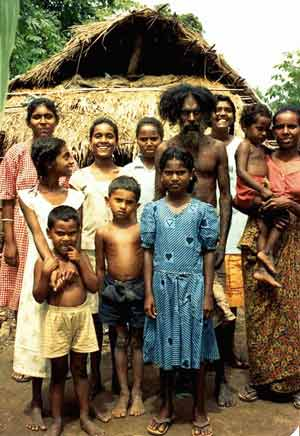 Danigala Maha Bandaralage Randunu Wanniya and family at Rathugala ca. 1993.